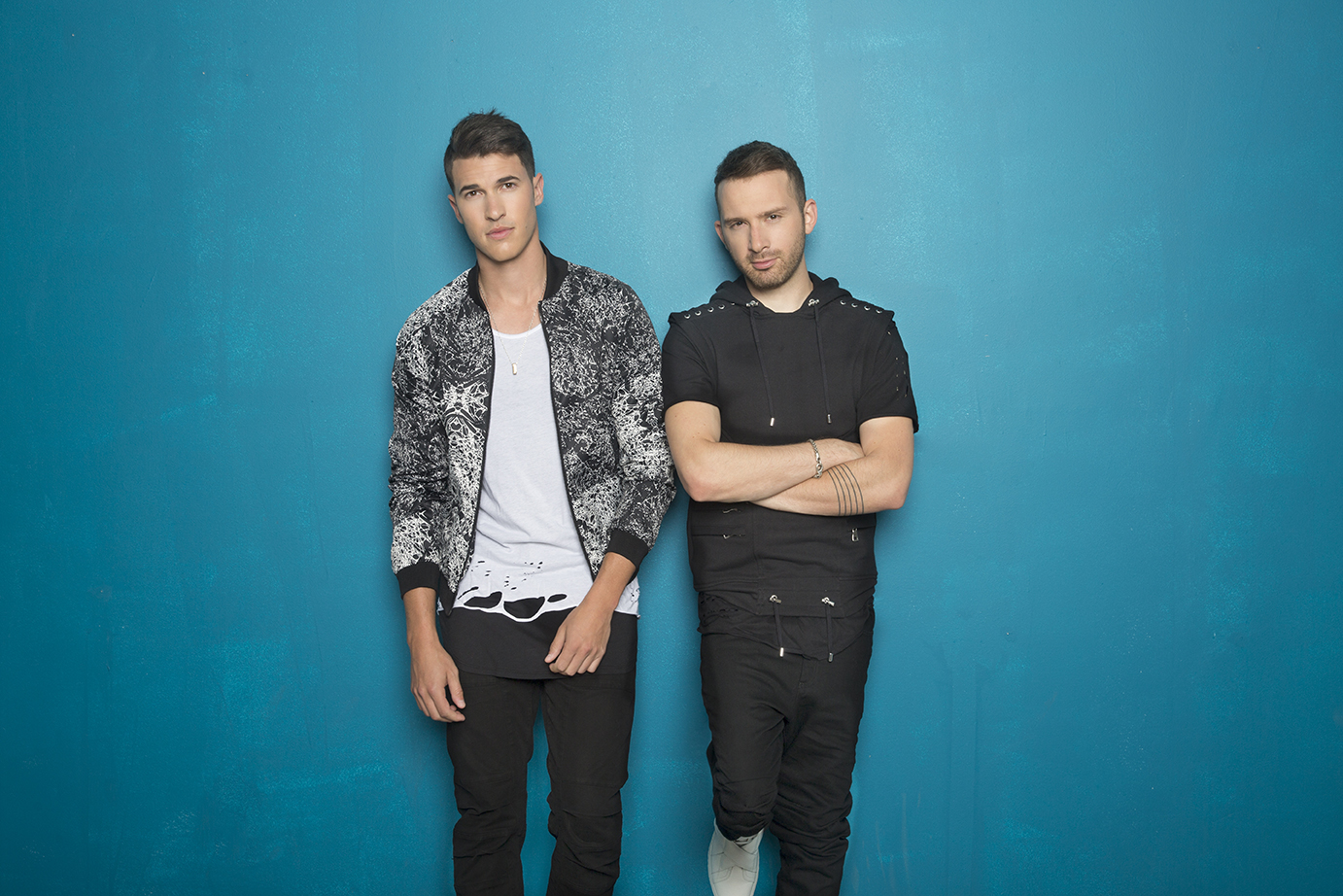SOLD OUT! – TIMEFLIES * WIN AND WOO
