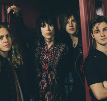 101WKQX Halloween Bash: THE STRUTS with special guests Gin & Tonic (The Struts as Oasis)