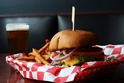 Bottom Lounge | Burger